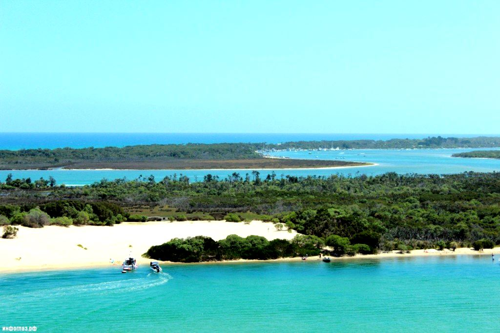 Banho azul no Lago Gippsland, Austrália